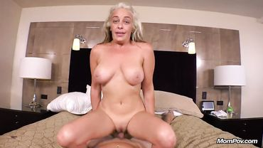 Amateur mature loves anal sex and sucking a massive dick in the casting