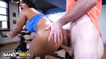 Latina pornstar Rose Monroe is nailed doggy style by her spin class trainer