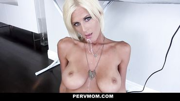 Olivia Blu is an older woman with big tits who loves showing off her amazing bod