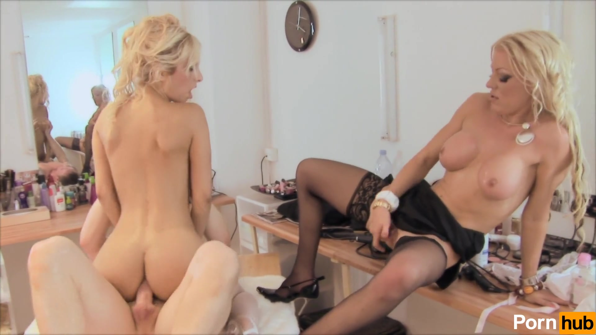 Threesome Hardcore Anal French