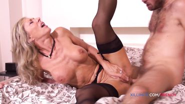 French cougar in stockings and high heels gets both of her holes ravaged