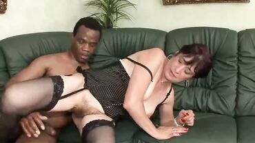 Milf mom in stockings in an interracial anal fucking session